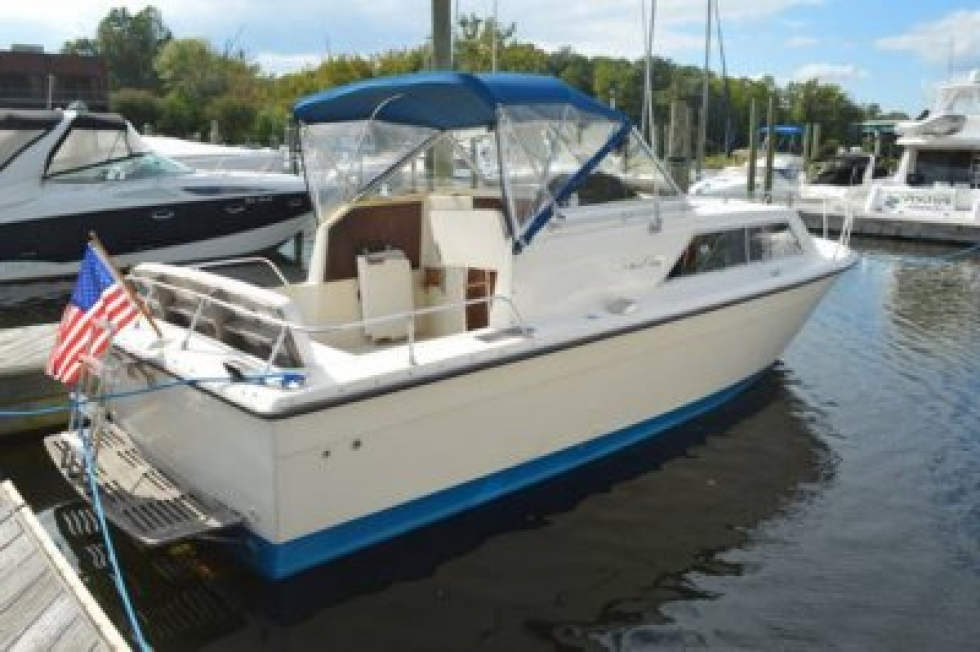 1977 Chris-Craft 28 Express